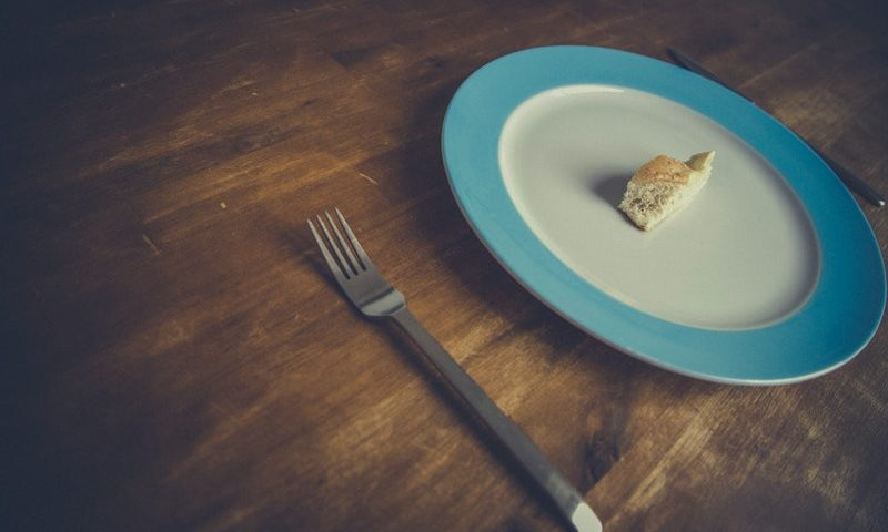Learn about the differences and commonalities among disordered eating and eating disorders